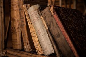 old-books-436498_640
