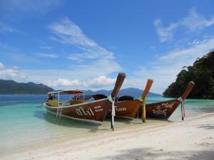 boats-854448_640