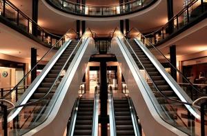 escalator-283448_640 (2)